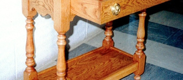 Small Table with draw